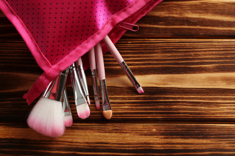 Fem_Bildergalerie_Make-up Pinsel Grundausstattung_Bild 1_iStock_5second