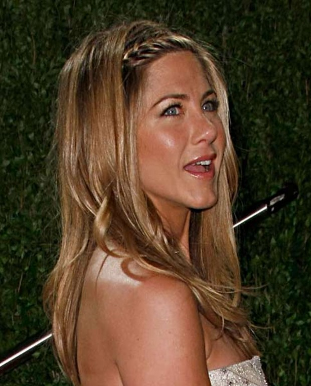 jennifer-aniston-oscar-vanityfairparty-flechtfrisur