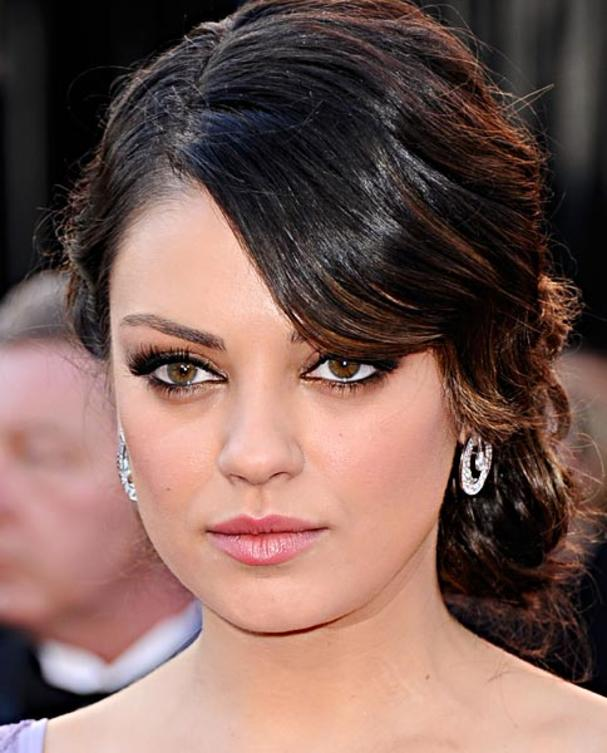 mila-kunis-make-up-cat-eyes