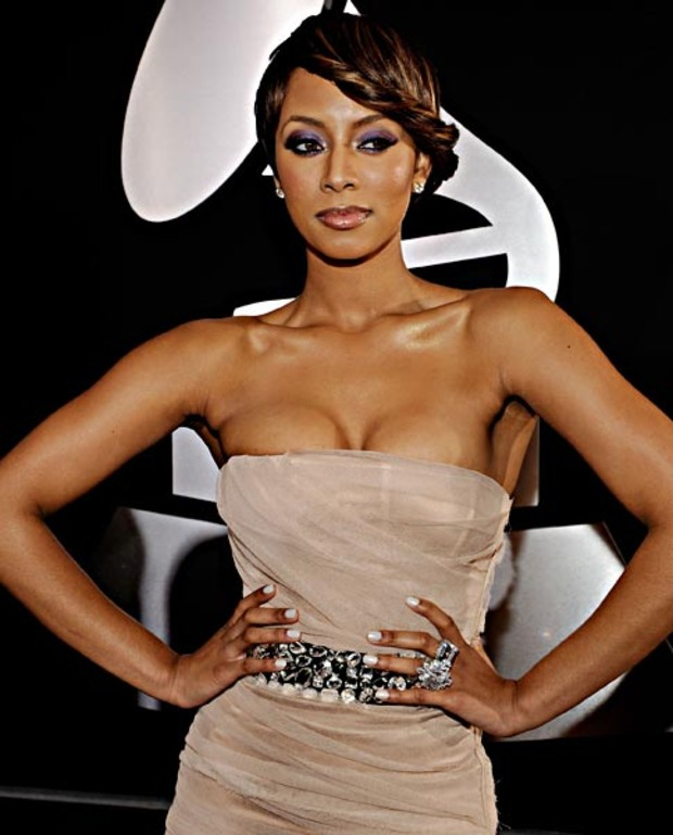 Keri-Hilson-grammy-minx-nails