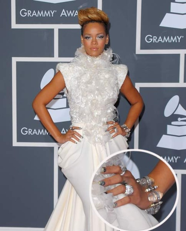rihanna-grammy-minx-nails