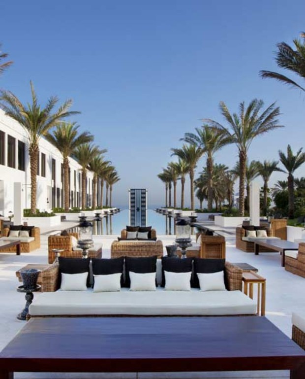 The-Chedi-Muscat3 Pools Lon