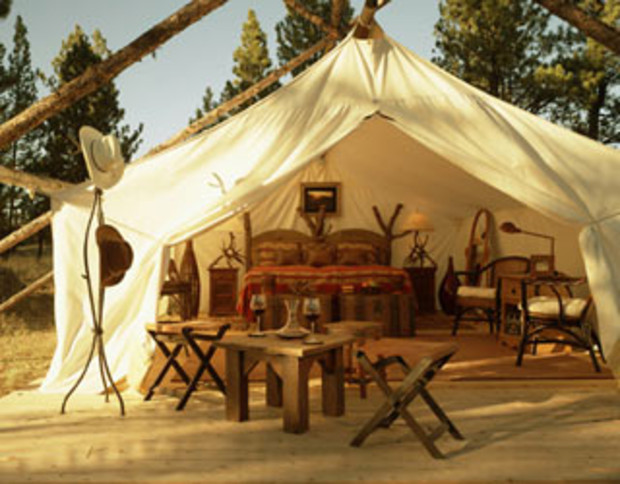 glamping-paws-up-montana-1