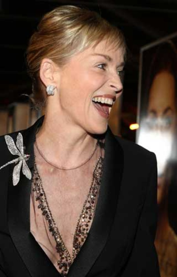 premiere-benjamin-button-sharon-stone