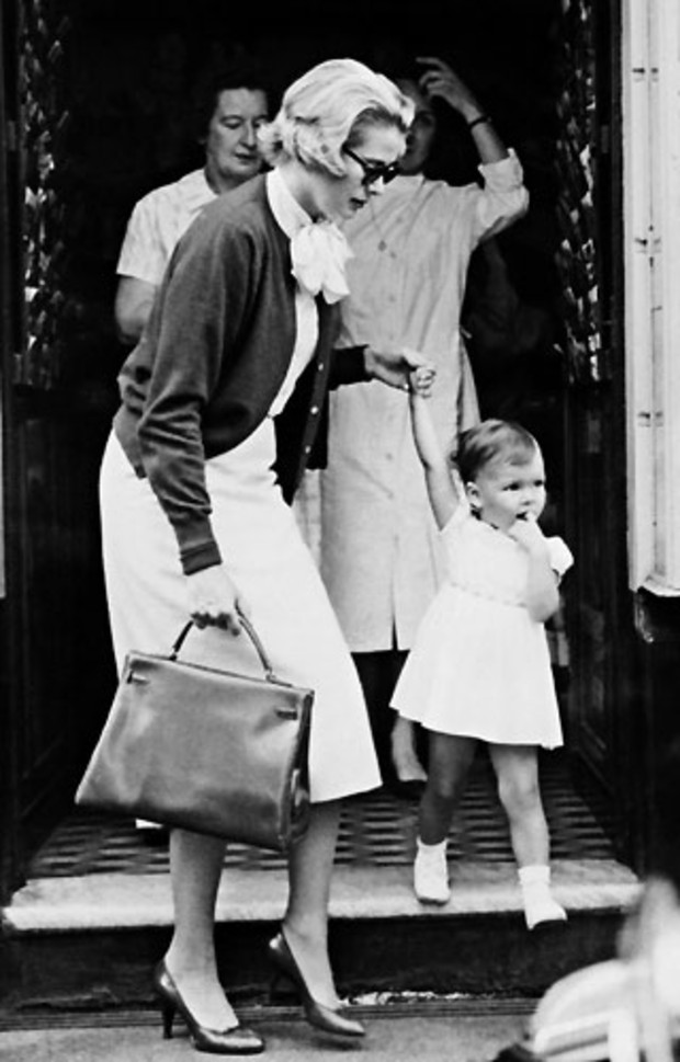 grace-kelly-mit-kelly-bag