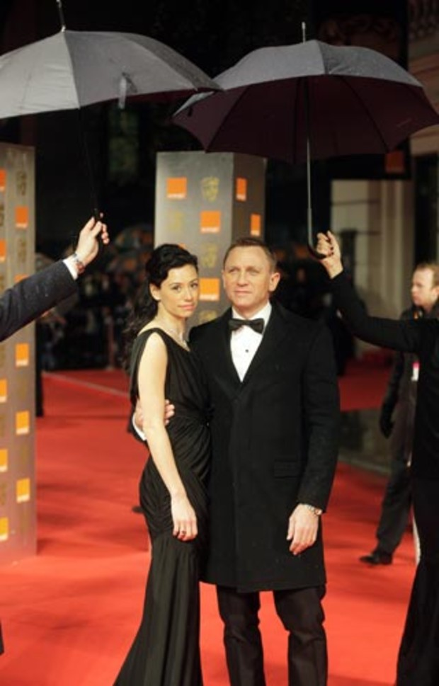 bafta-2009-event-red-carpet-daniel-craig