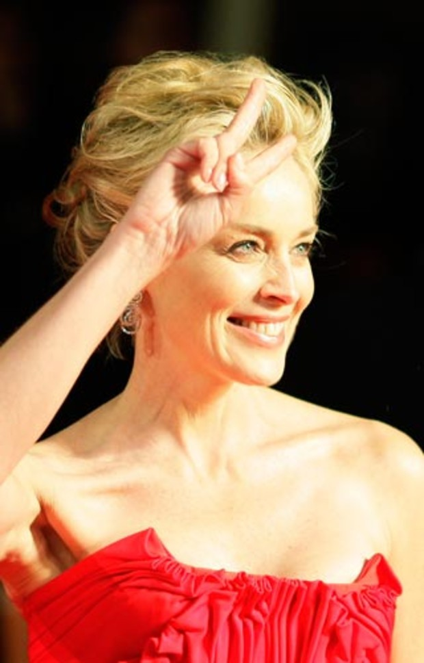bafta-2009-event-red-carpet-sharon-stone