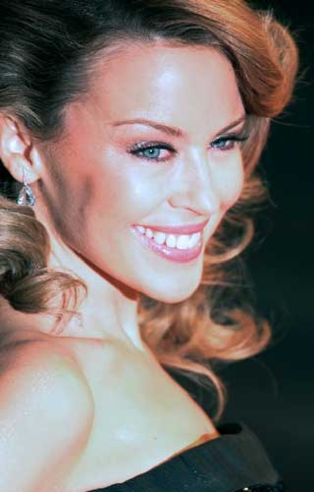 4-brit-awards-kylie-minogue-AV
