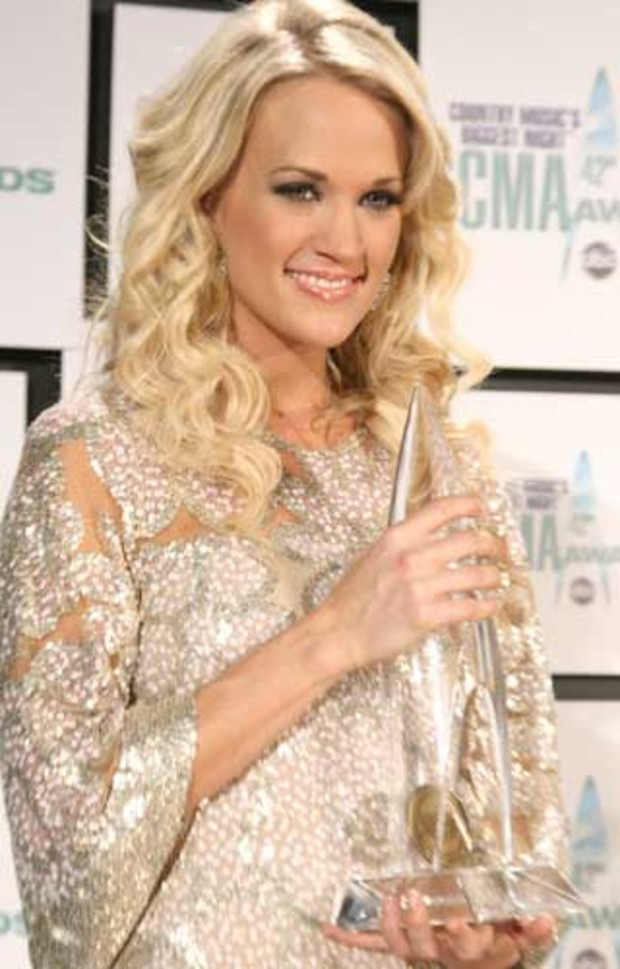 country-music-awards-carrie-underwood-award