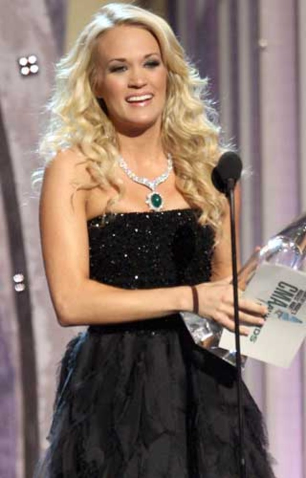 country-music-awards-carrie-underwood-winner