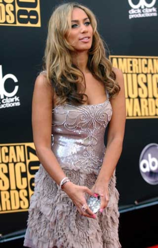4-american-music-awards-red-carpet-leona-lewis