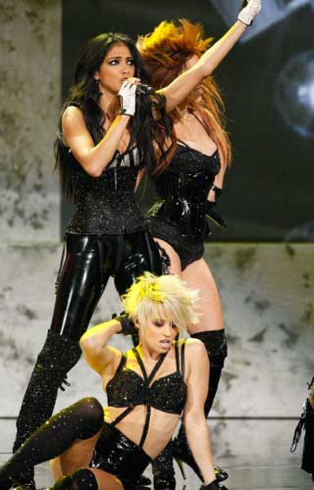 american-music-awards-buehne-pussycat-dolls-show