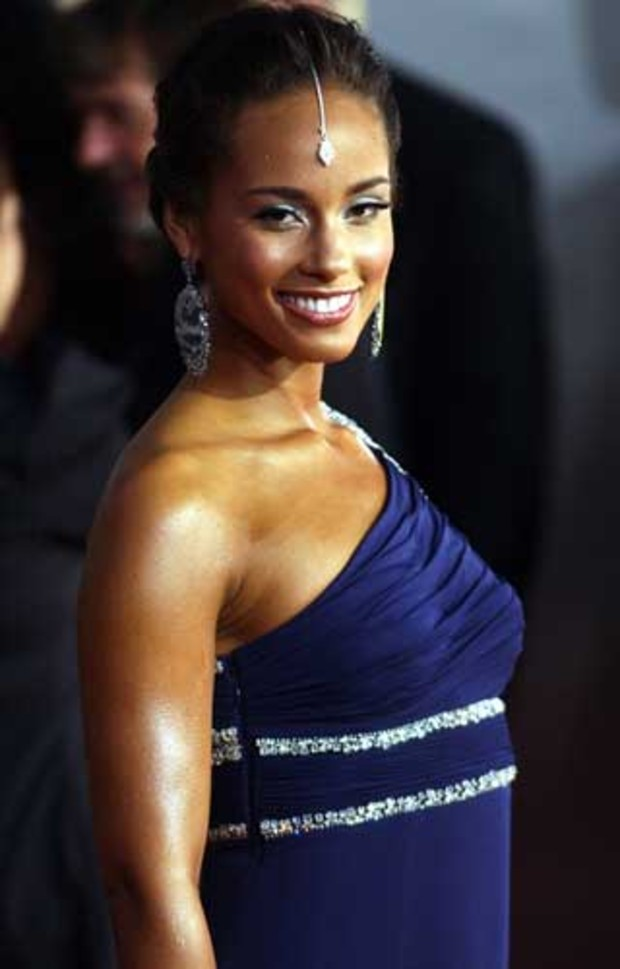 american-music-awards-red-carpet-alicia-keys