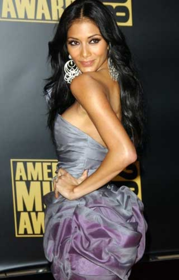 american-music-awards-red-carpet-nicole-scherzinger