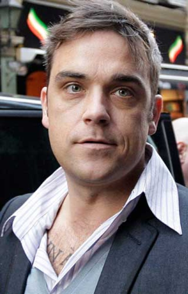 1-robbie-williams-AV