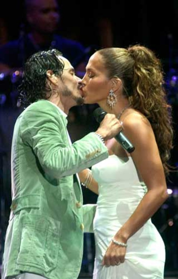 marc-anthony-jennifer-lopez-kuss-kiss