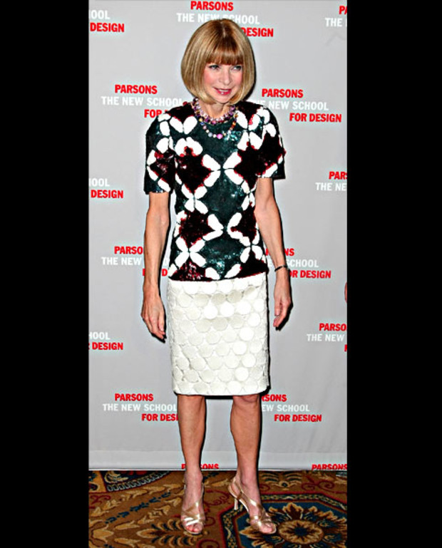 Anna-Wintour-attends-the-2009-Parsons-Fashion-benefit-honoring-Calvin-Klein