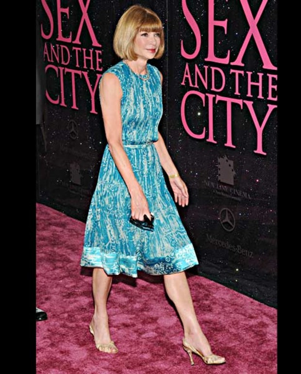 Anna-Wintour-attends-the-Sex-And-The-City-premiere-at-Radio-City-Music-Hall-on-May-27