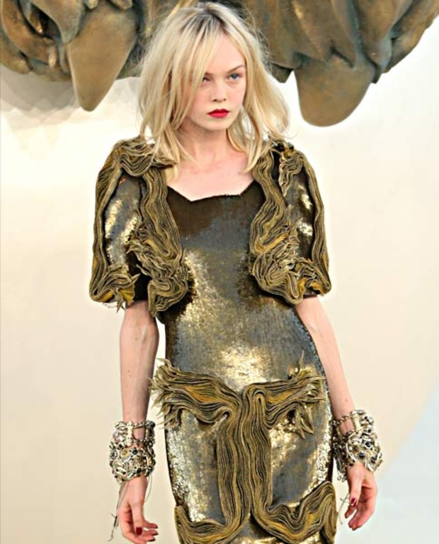 chanel-gold-gruen-haute-couture-2010