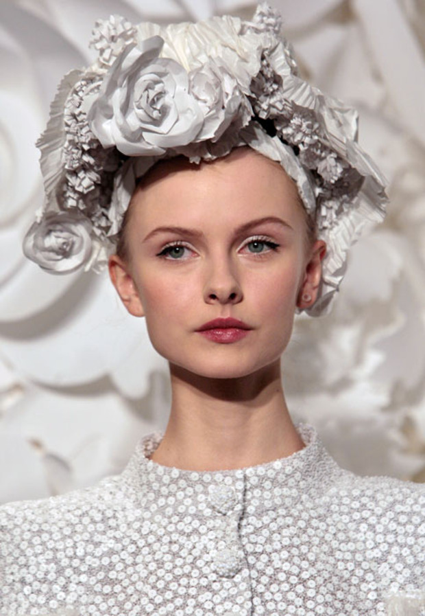 chanel-haute-couture-weisse-schleife