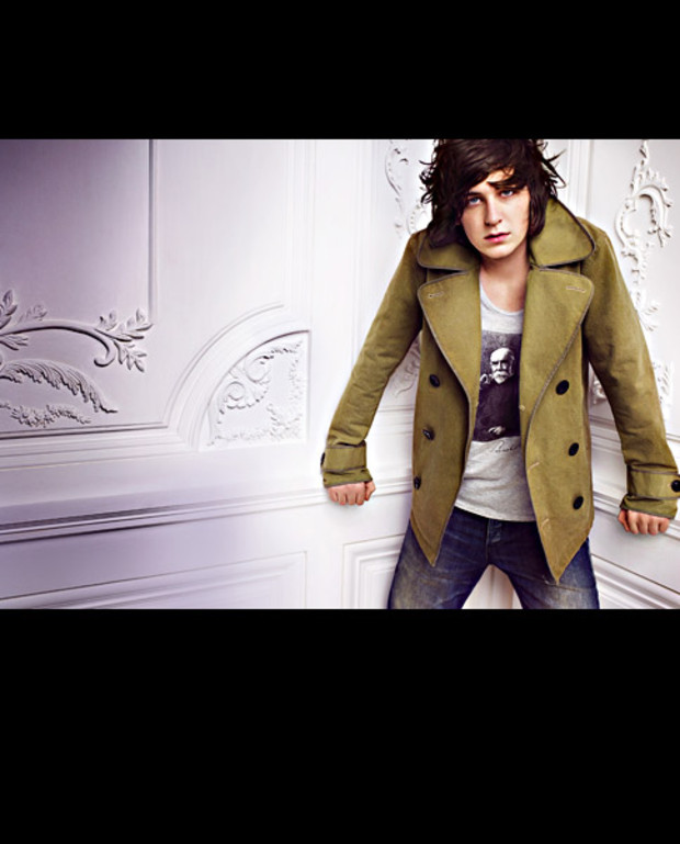 Burberry-George-Craig-sommer-2010