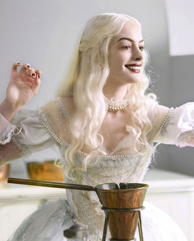 Forbes-Anne-Hathaway-in-Alice-in-Wunderland