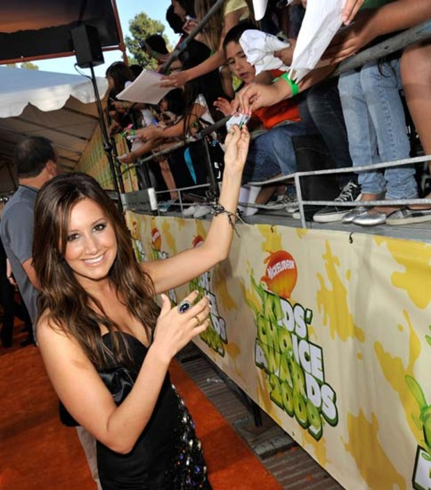 ashley-tisdale-fans-autogramm