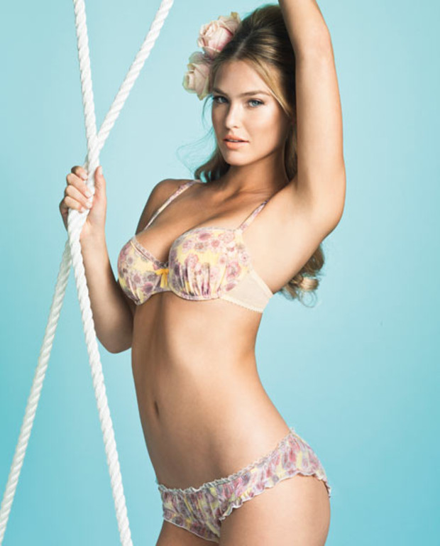 7-bar-refaeli-flower-print