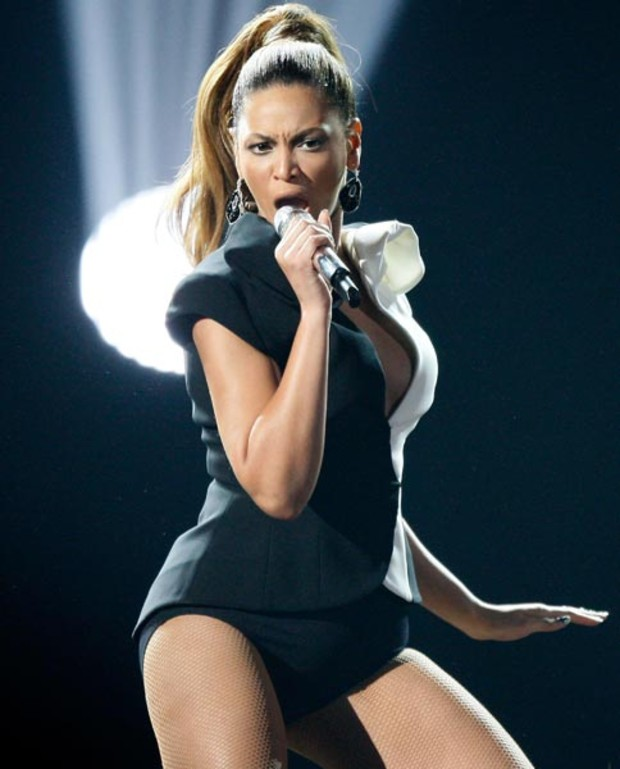 beyonce-live-american-music-awards-2008