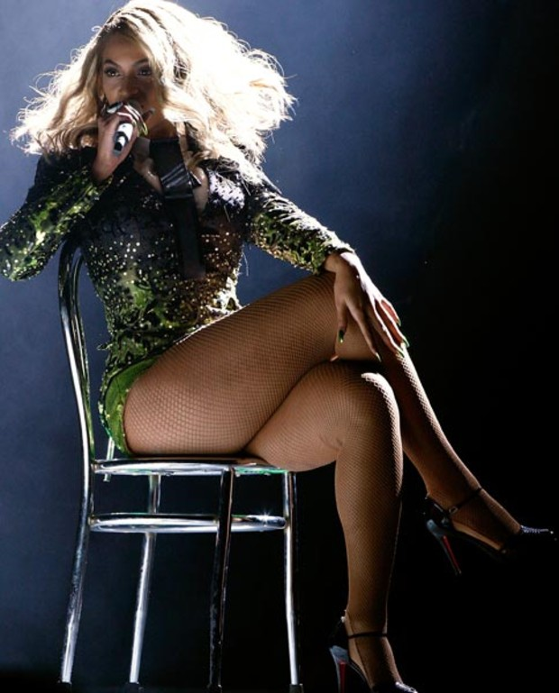 beyonce-live-grammy-awards-2008-outfit