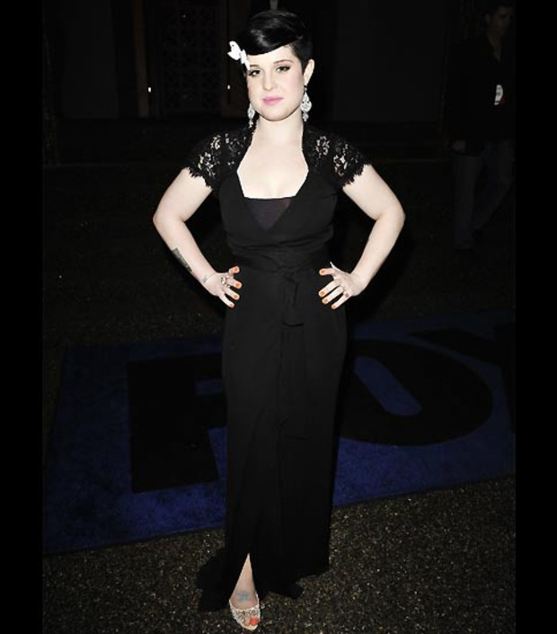 kelly-osbourne-gothic-look