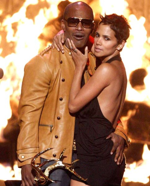 spike-awards-halle-berry-jamie-foxx1