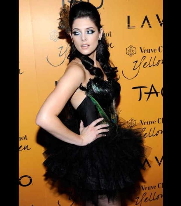 ashley-greene-halloween-2009
