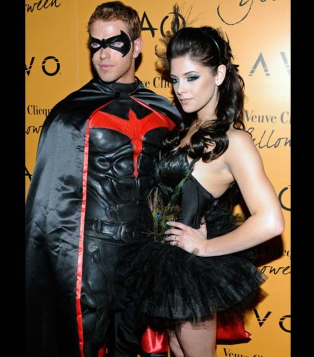 ashley-greene-kellan-lutz-halloween-2009