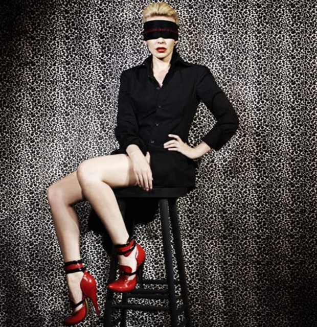0-kylie-minogue-fishnet