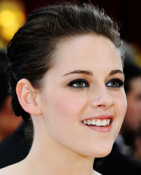 kristen-stewart-oscars-close