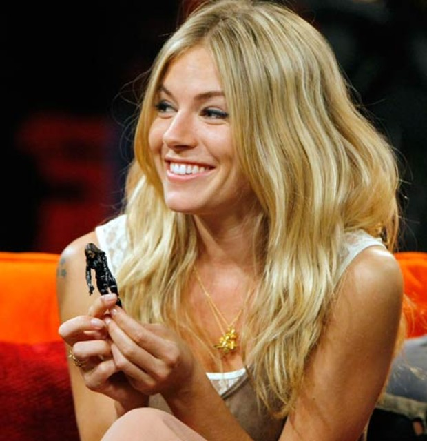 10-best-actress-sienna-miller