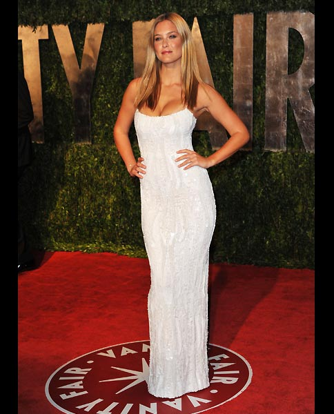 vanity-fair-oscar-bar-refaeli