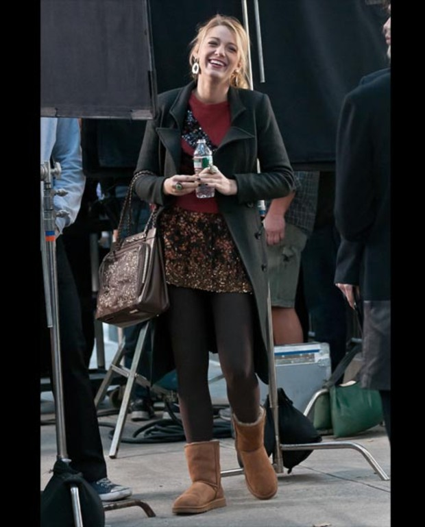gossip-girl-set-blake-lively-boots