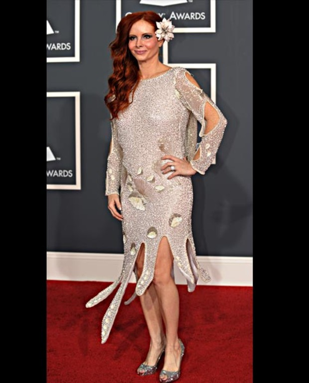 Phoebe-Price-grammy-worst-dressed