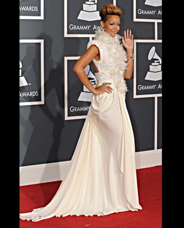 rihanna-in-elie-saab-grammy-best-dressed