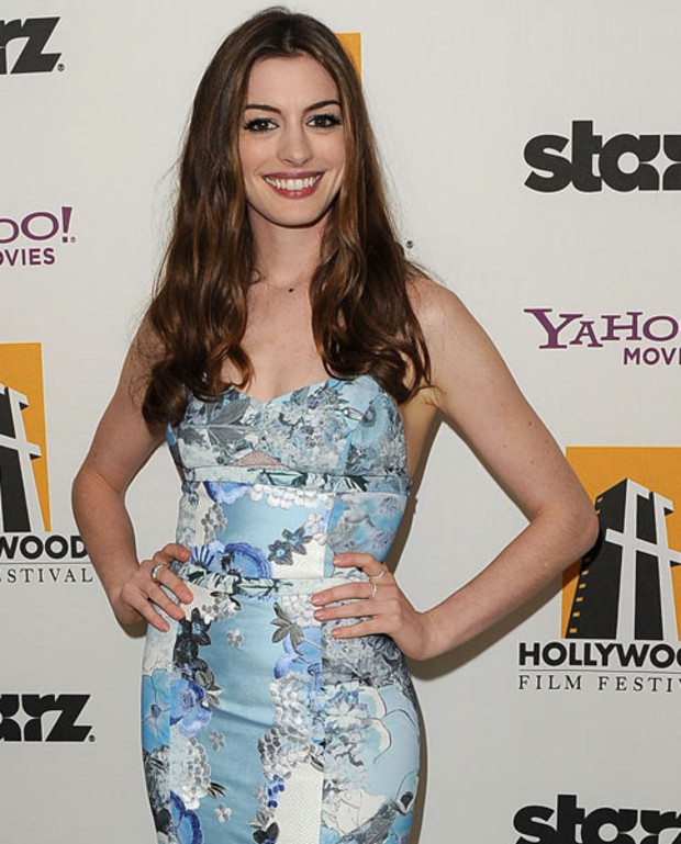 anne-hathaway-hollywood-film-awards-FS