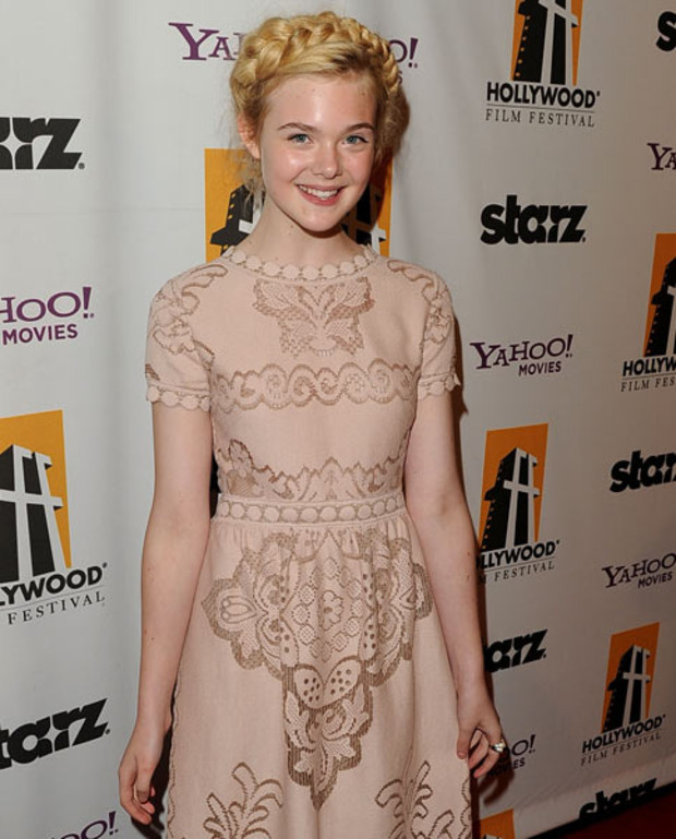 elle-fanning-hollywood-film-awards-FS