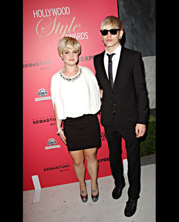 kelly-osbourne-luke-style-awards-pr