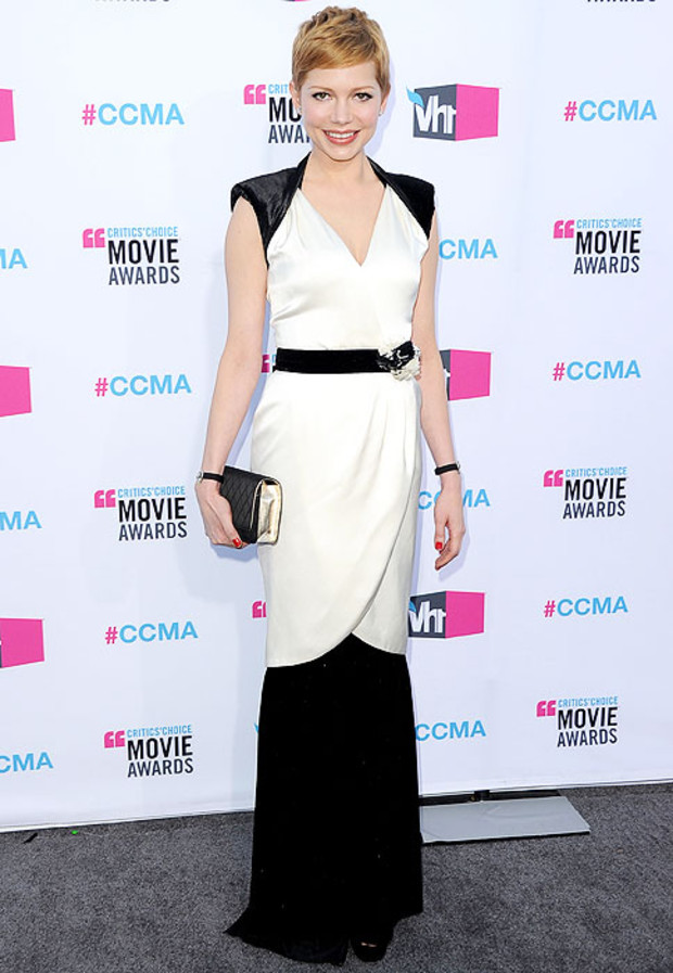 Michelle-Williams-Critics-Choice-Awards-Chanel-Gallery