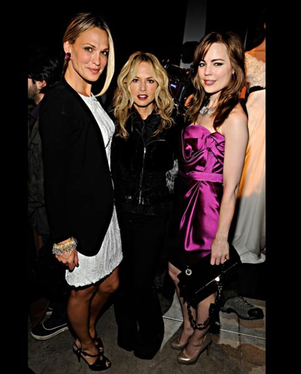 Molly-Sims -Rachel-Zoe-and-Melissa-George-at-the-Marchesa-Fall-2010