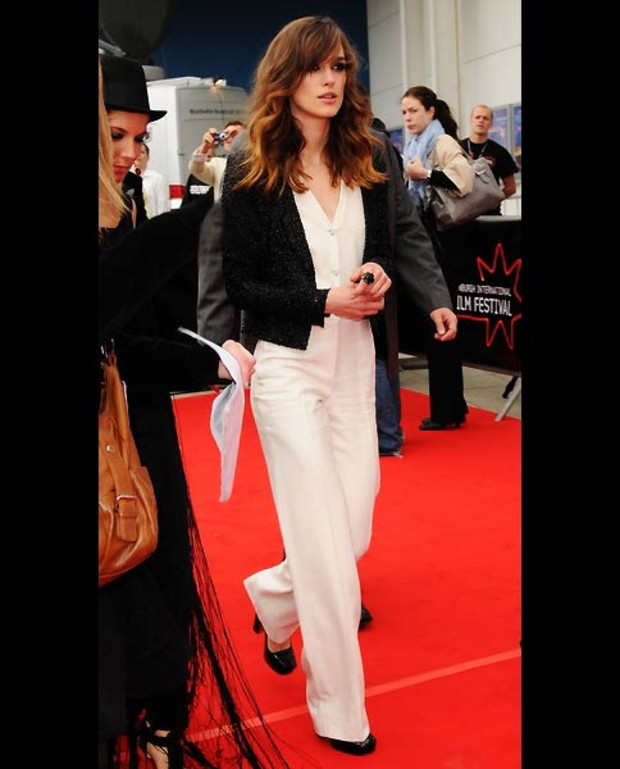 keira-knightley-jumpsuit-weiss