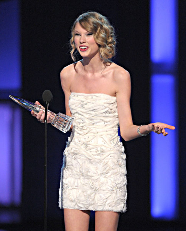 taylor-swift-peoples-choice-award