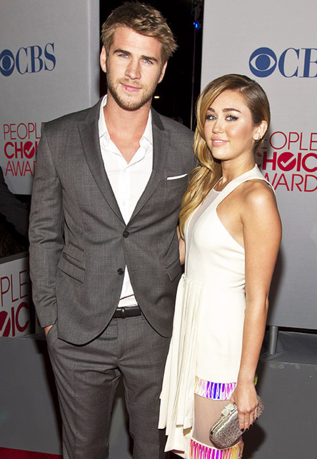 Liam-Hemsworth-Miley-Cyrus-Peoples-Choice-Awards-2012