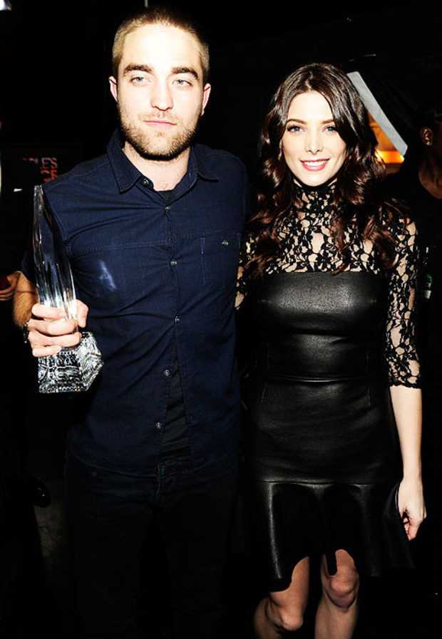 Robert-Pattinson-Ashley-Greene-Peoples-Choice-Awards-2012